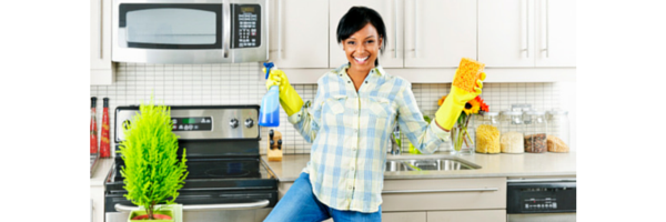 Your Top 3 Online Housekeeping Duties to Start 2015 the Right Way